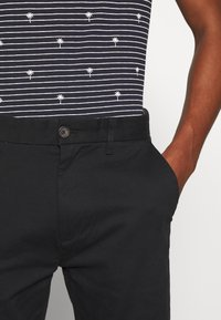 Burton Menswear London - STRETCH - Chino kalhoty - black - 3
