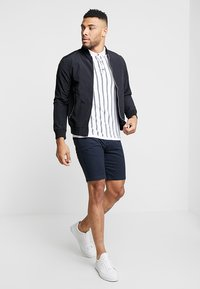 Burton Menswear London - NEW CASUAL - Szorty - navy - 1