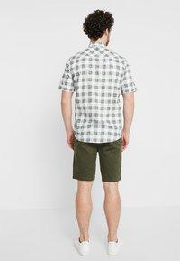 Burton Menswear London - NEW CASUAL - Shorts - khaki - 2