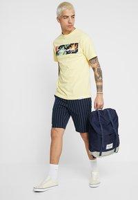 Burton Menswear London - SMART PIN STRIPE - Shorts - navy - 1