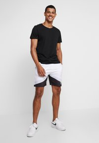 Burton Menswear London - ICON - Spodnie treningowe - white - 1