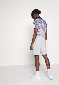 Burton Menswear London - 2 PACK - Shorts - black/grey - 2
