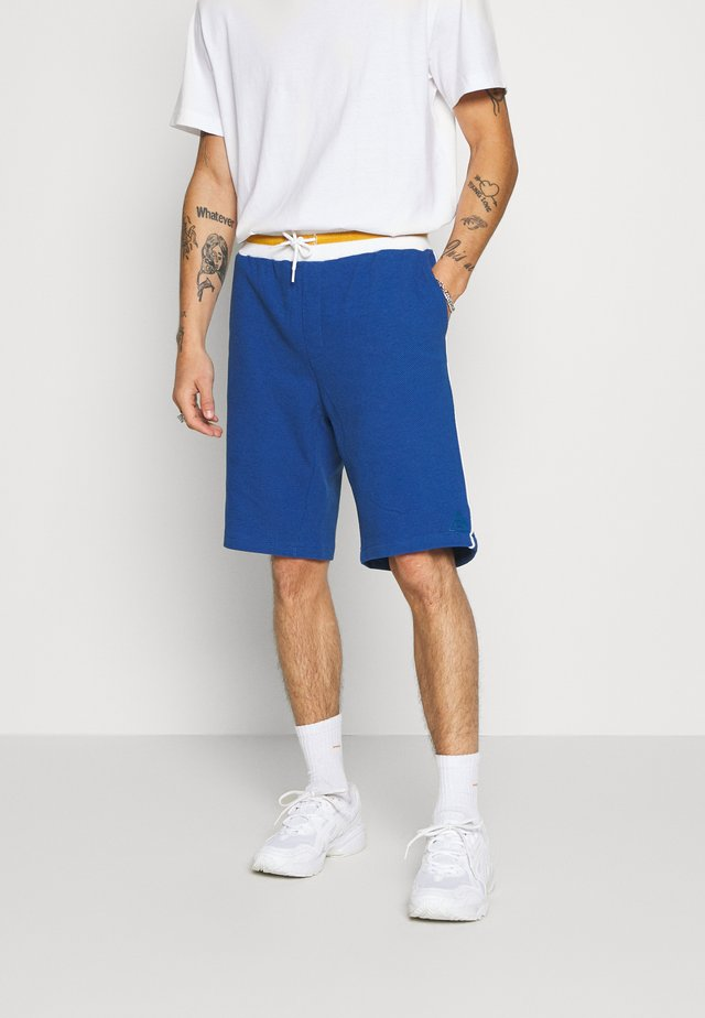 CONTRAST BASKETBALL - Shorts - blue