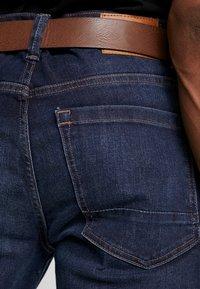 Burton Menswear London - BELTED - Vaqueros rectos - mid blue - 3