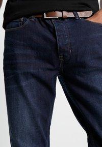 Burton Menswear London - BELTED - Vaqueros rectos - mid blue - 5