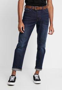 Burton Menswear London - BELTED - Vaqueros rectos - mid blue - 0