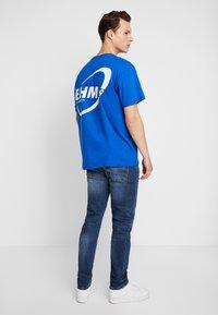 Burton Menswear London - Jeansy Zwężane - dark blue - 2