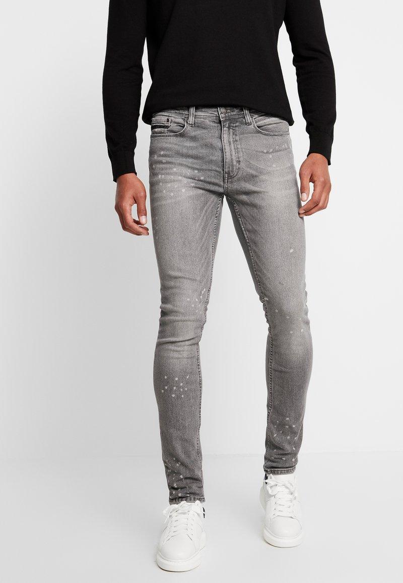 Burton Menswear London - SPLATTER WITH TRIM - Vaqueros pitillo - grey