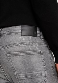 Burton Menswear London - SPLATTER WITH TRIM - Vaqueros pitillo - grey - 5