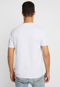 Burton Menswear London - BASIC CREW 3 PACK MULTIPACK - T-shirt basique - khaki/frost/navy - 3