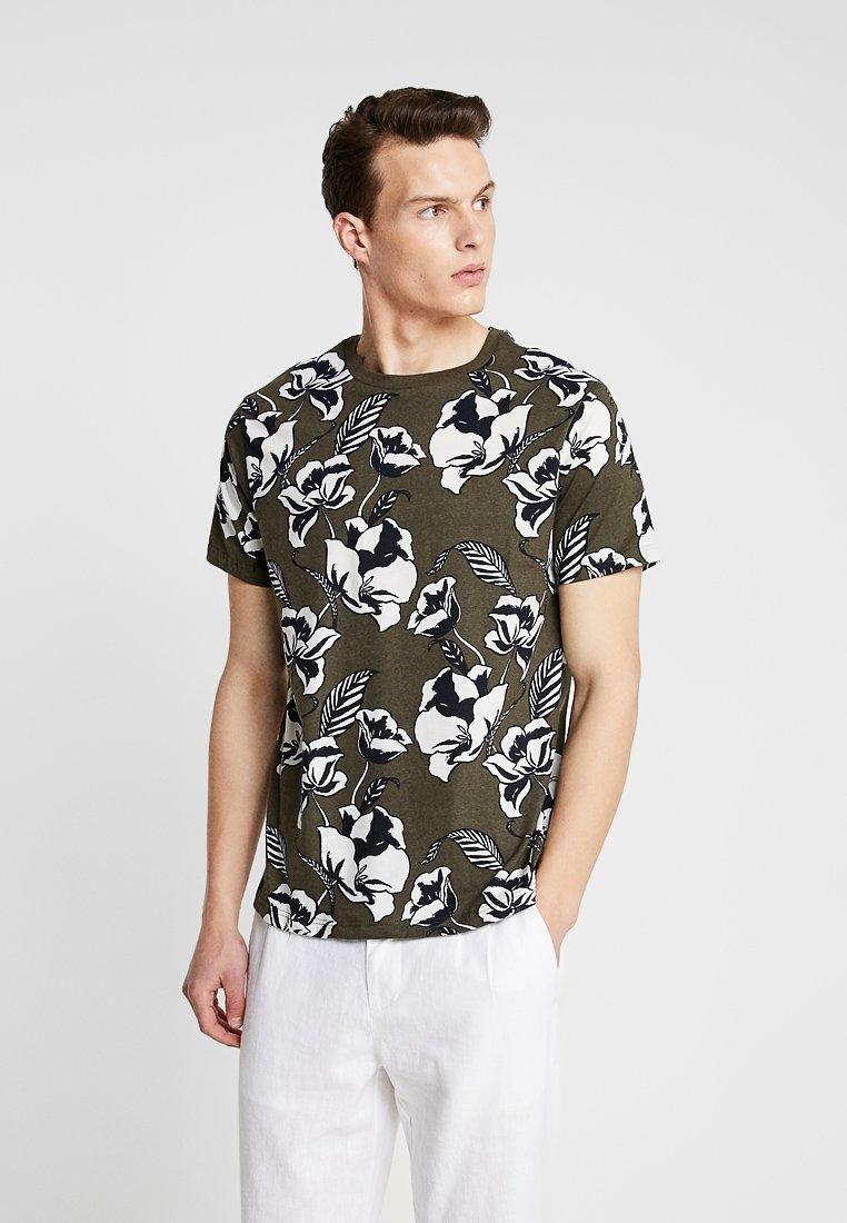 Burton Menswear London - SMART FLORAL  - T-shirt med print - green