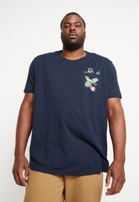 Burton Menswear London - TOUCAN POCKET - T-shirt print - navy - 0