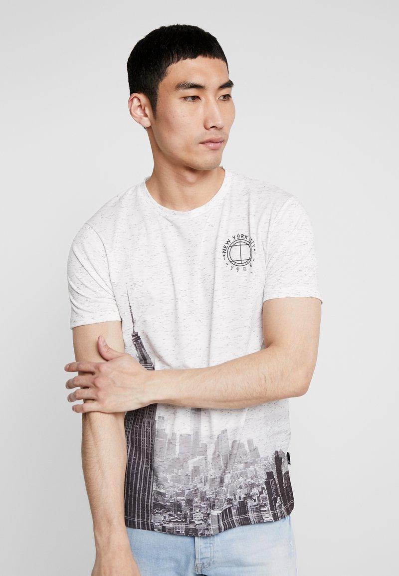 Burton Menswear London - CITY PLACEMENT - T-Shirt print - white
