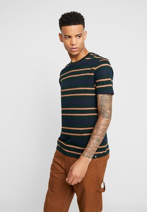 HORIZONTAL SCARAB PIQUE STRIPE - T-shirt print - green