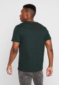 Burton Menswear London - BASIC CREW 5PACK - T-shirt - bas - charcoal marl/scarab/rich blue/burgundy - 3