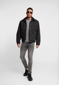 Burton Menswear London - BASIC CREW 5PACK - T-shirt - bas - charcoal marl/scarab/rich blue/burgundy - 1