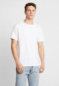 Burton Menswear London - BASIC CREW 5 PACK - T-shirt - bas - white - 5