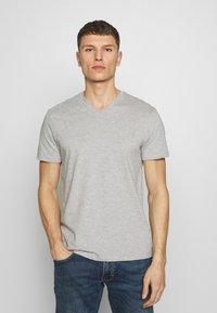 Burton Menswear London - 2 PACK  - T-shirt - bas - grey melange - 2