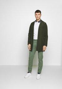Burton Menswear London - 2 PACK - Polo shirt - white - 1