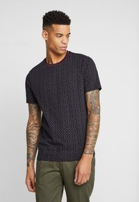 Burton Menswear London - PAISLEY TEE - Triko spotiskem - black - 0