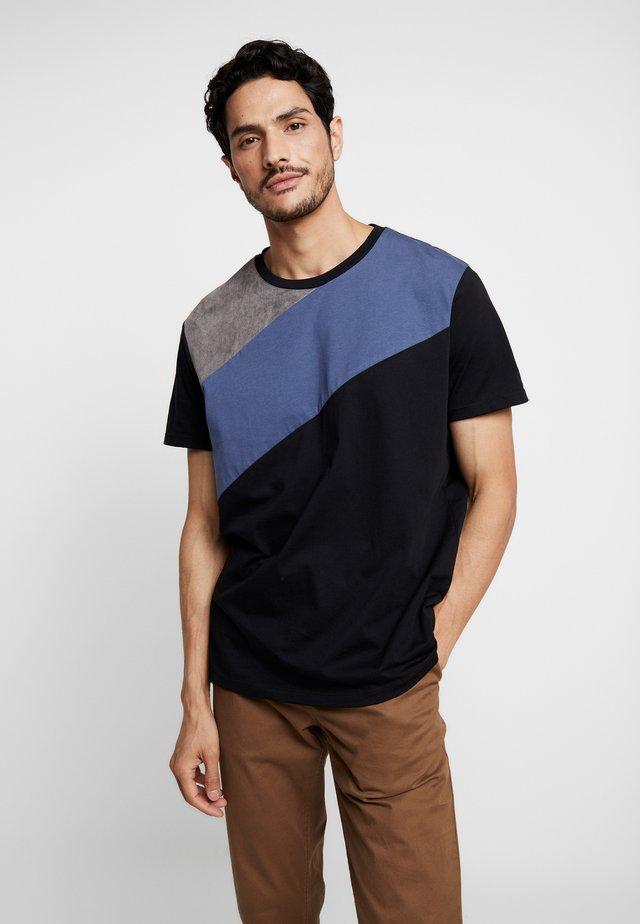 SPLICE TEE - T-shirt med print - grey