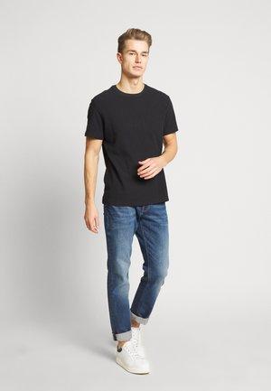 WAFFLE 2PACK - Basic T-shirt - navy/tobac