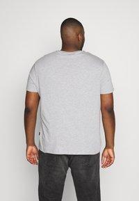 Burton Menswear London - 7 PACK - T-shirts - navy - 2
