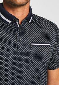 Burton Menswear London - GEO PRINT - Poloskjorter - navy - 4