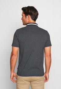 Burton Menswear London - GEO PRINT - Poloskjorter - navy - 2