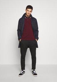 Burton Menswear London - 2 PACK  - Pikeepaita - white - 0
