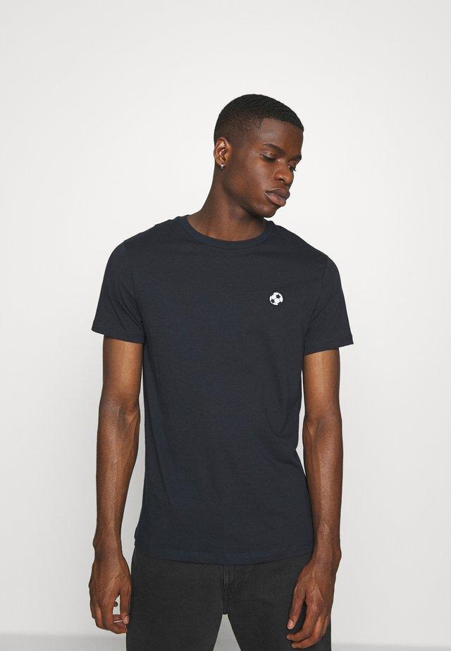 FOOTBALL EMBELLISHED - T-Shirt print - black