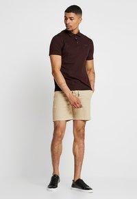 Burton Menswear London - BASIC 2 PACK - Polotričko - burgundy/khaki - 0