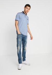 Burton Menswear London - OVERARM STRIPE - Polotričko - blue - 1