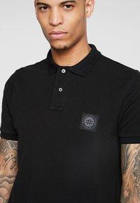Burton Menswear London - STADIUM WAFFLE BADGE - Piké - black - 4