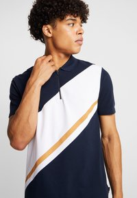 Burton Menswear London - PANELLING WITH ZIP FLAG - Piké - navy - 4
