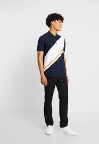 Burton Menswear London - PANELLING WITH ZIP FLAG - Piké - navy
