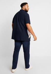 Burton Menswear London - PANELLING WITH ZIP FLAG - Polo shirt - navy - 2