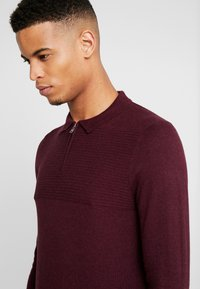 Burton Menswear London - CASTLE YOKE ZIP  - Maglione - burg - 3