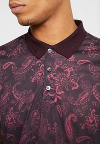 Burton Menswear London - PAISLEY YOKE FADE - Polo shirt - burgundy - 5
