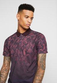 Burton Menswear London - PAISLEY YOKE FADE - Polo shirt - burgundy - 3