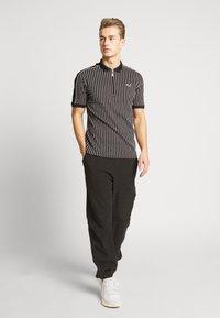 Burton Menswear London - Poloskjorter - black - 1