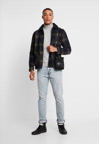 Burton Menswear London - CORE ROLL - Trui - grey - 1