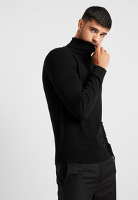 Burton Menswear London - CORE ROLL - Stickad tröja - black - 0