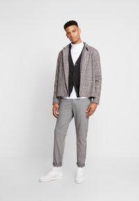 Burton Menswear London - CORE CARDIGAN - Kardigan - dark grey - 1