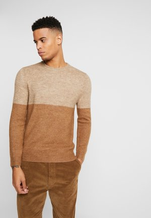 CLEAVELAND COLOUR BLOCK COSY - Sweter - camel