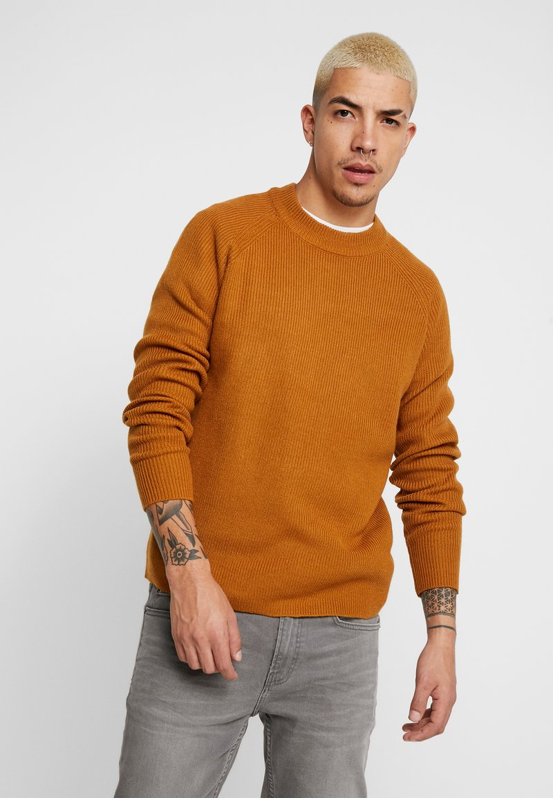 Burton Menswear London - FISHERMAN - Strikkegenser - mustard