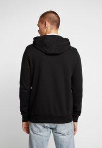 Burton Menswear London - CHEVRON SHIELD HOOD - Sudadera con cremallera - black - 2