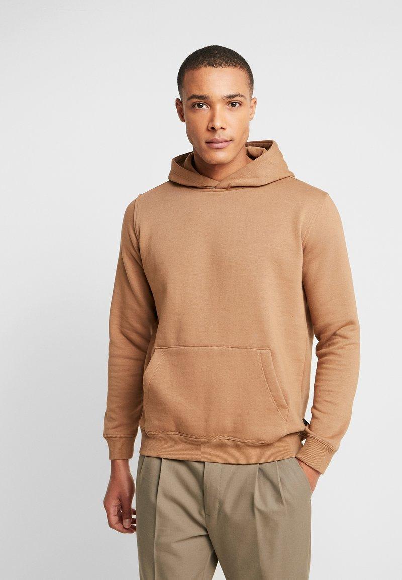 Burton Menswear London - SOLID OH HOOD - Hoodie - brown
