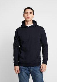 Burton Menswear London - SOLID HOOD - Felpa con cappuccio - navy - 0