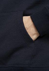 Burton Menswear London - SOLID HOOD - Felpa con cappuccio - navy - 5